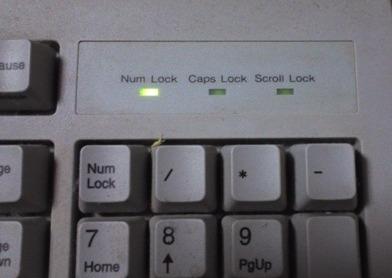キーボード 大文字 しか 打 て ない